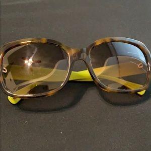 Coach HC8001 brown tortoise sunglasses